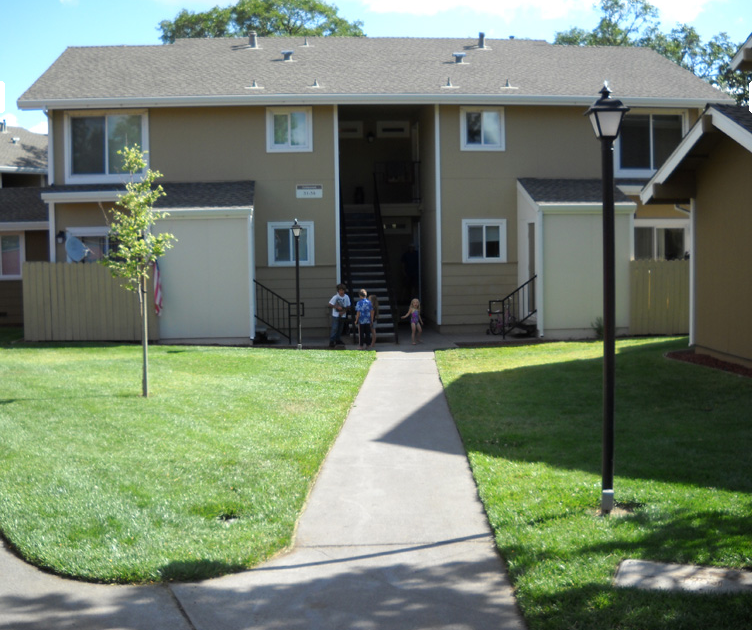 Cedarwood Apartments: Fall River Mills, CA Low Income