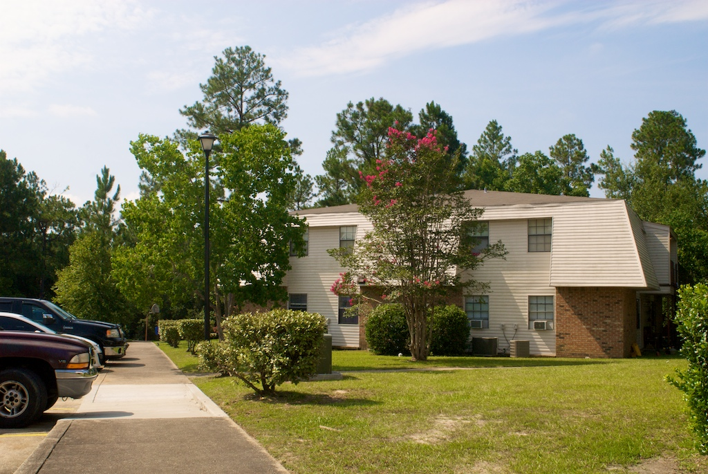 Image of Lyman Manor Apartments in Gulfport, Mississippi