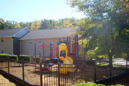 Image of Oakcrest Apartments in Travelers Rest, South Carolina