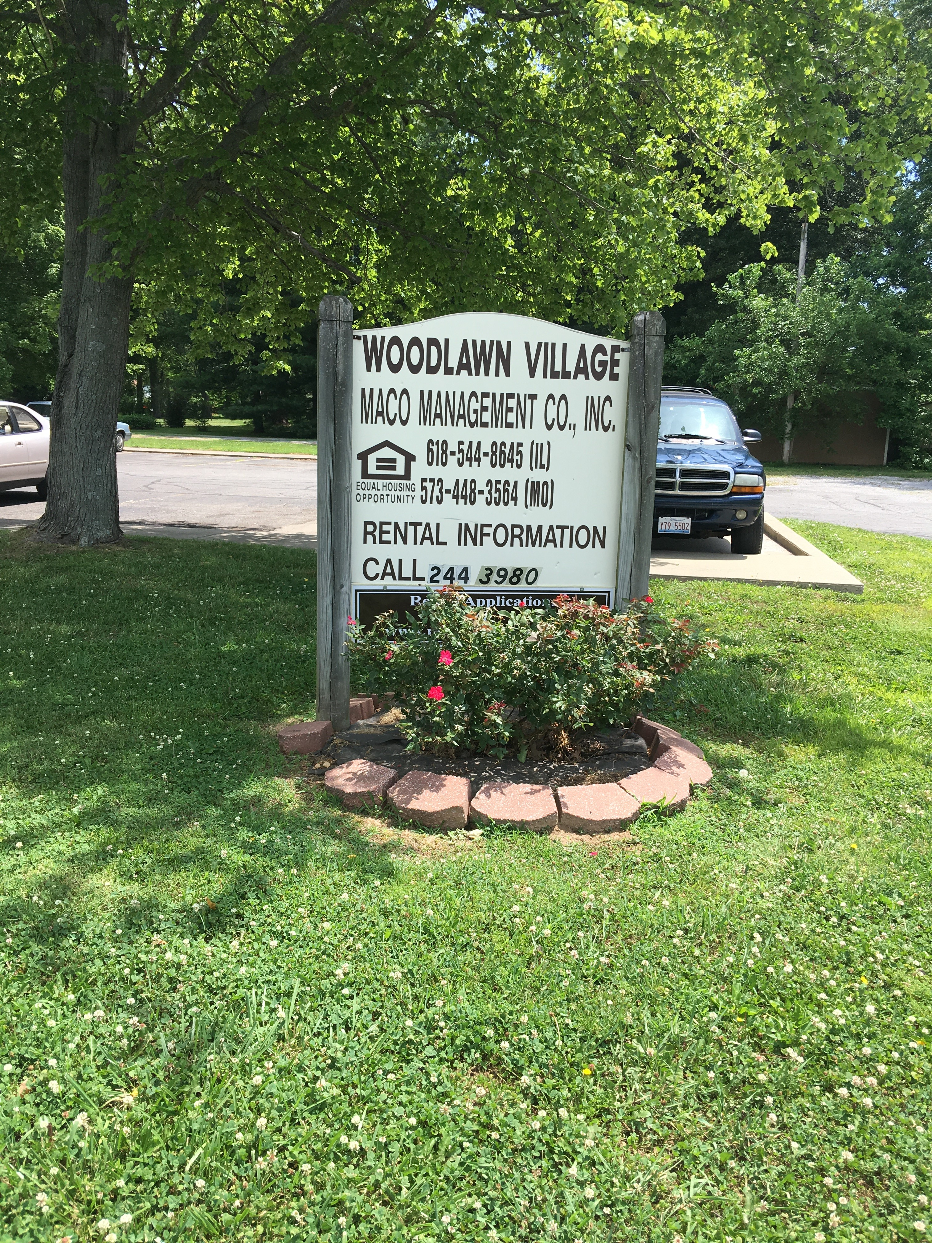 Image of Woodlawn Vil. Apartments