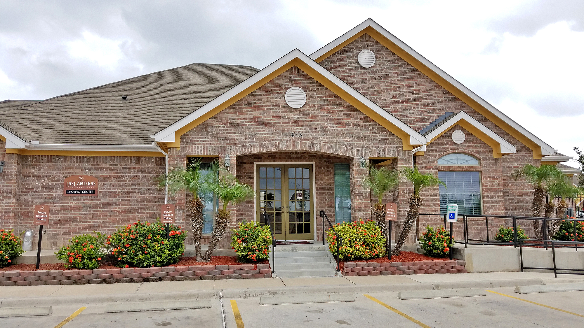 Image of Las Canteras Apartments in Pharr, Texas