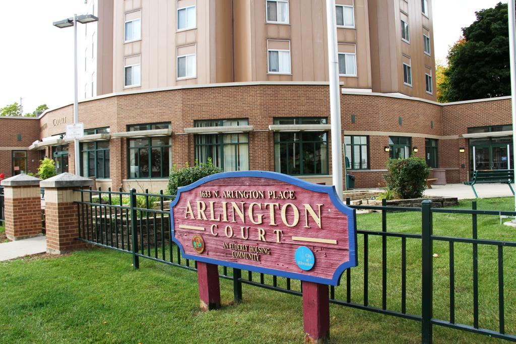 Image of Arlington Court in Milwaukee, Wisconsin