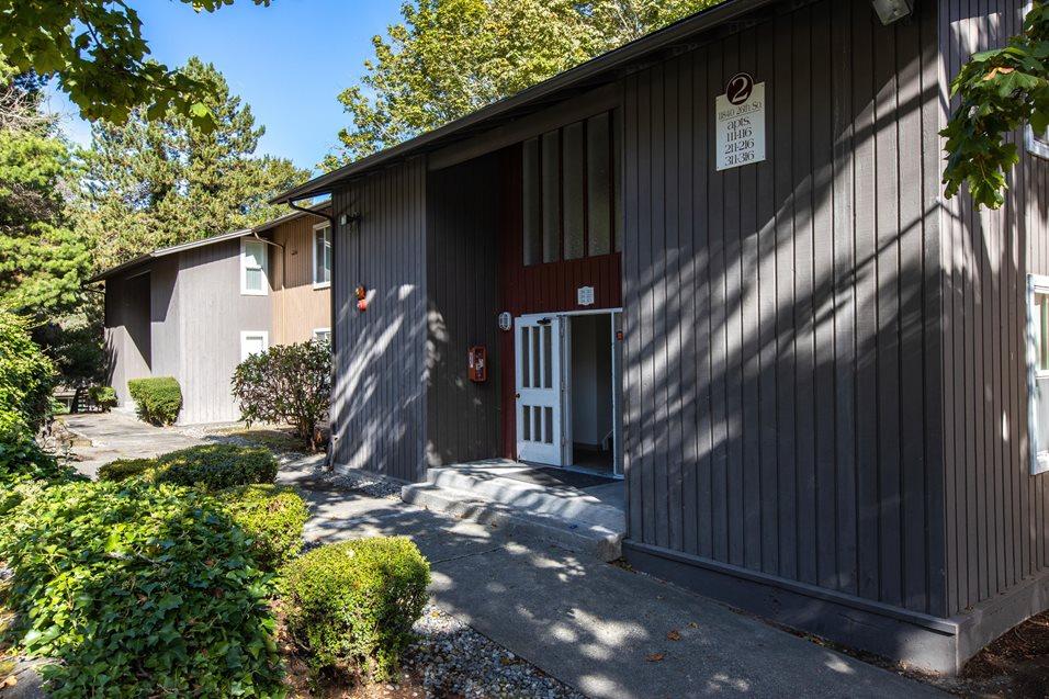 Image of Whisperwood Apartments in Seattle, Washington