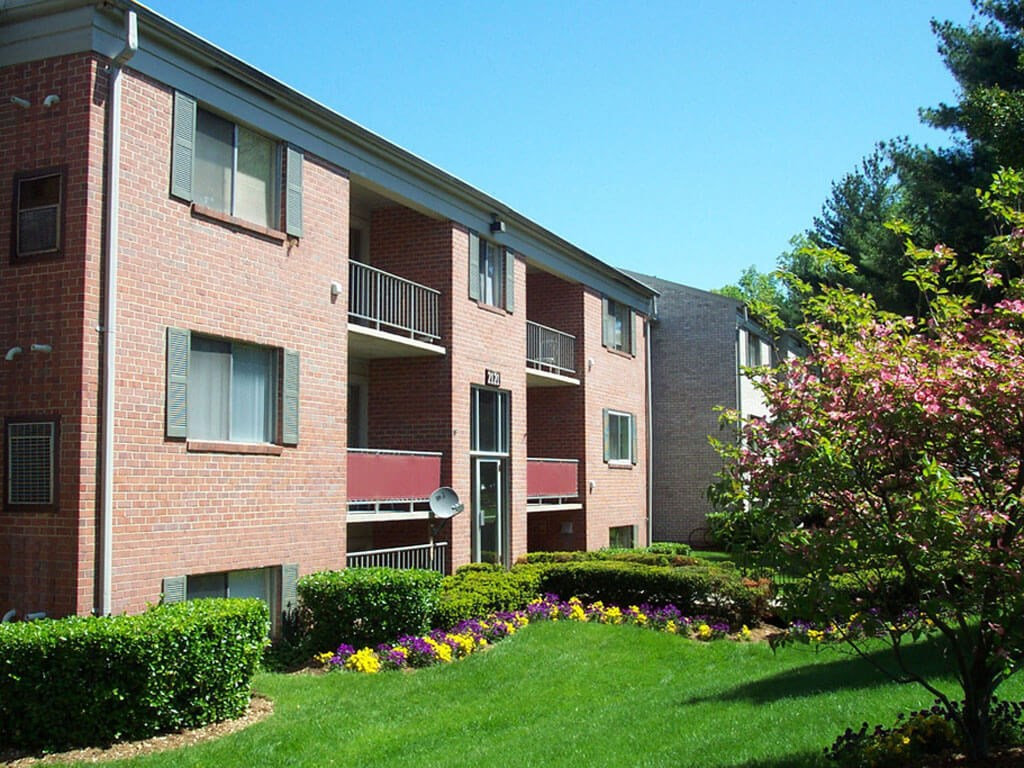 Image of Oakfield Apartments in Wheaton, Maryland