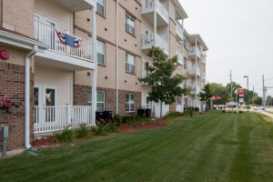 Image of Golden Manor Apartments