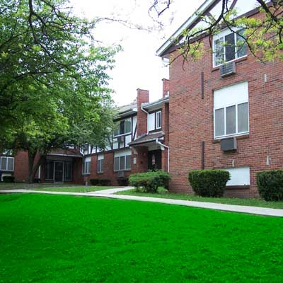 Image of Auburn Manor Apartments in Rockford, Illinois