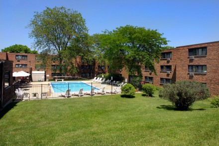 Image of Kings Court Apartments