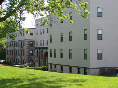 Image of Blackstone Falls Apartments