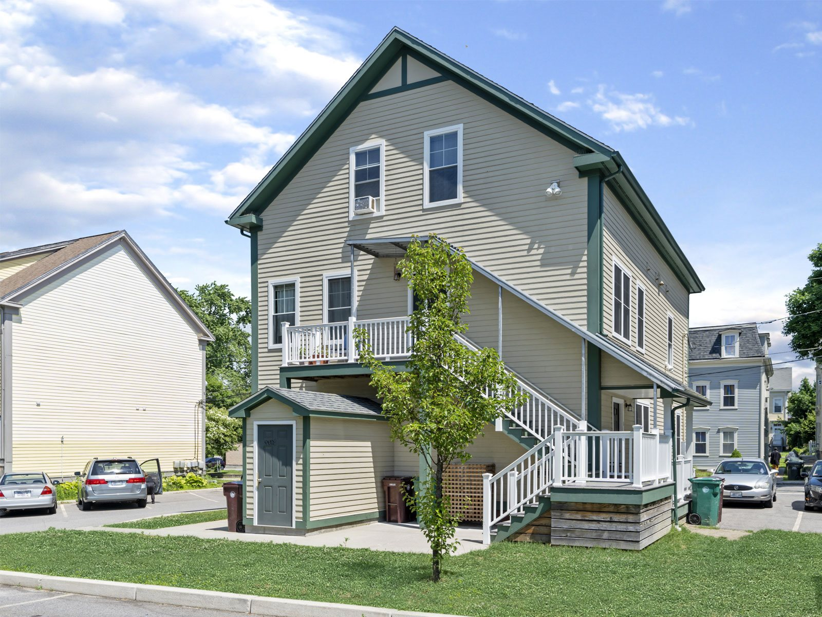 Image of Constitution Hill Apartments in Woonsocket, Rhode Island
