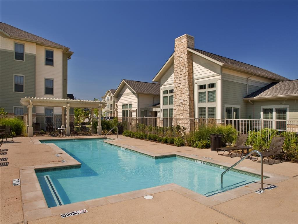 Image of Woodmont Apartments