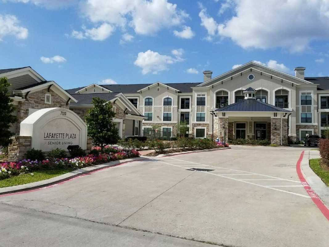 Image of Lafayette Plaza Apartments in Houston, Texas