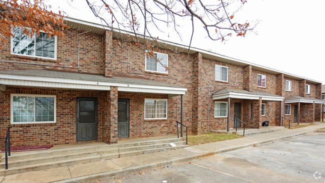 Image of L.R. Patton Apartments in Huntsville, Alabama