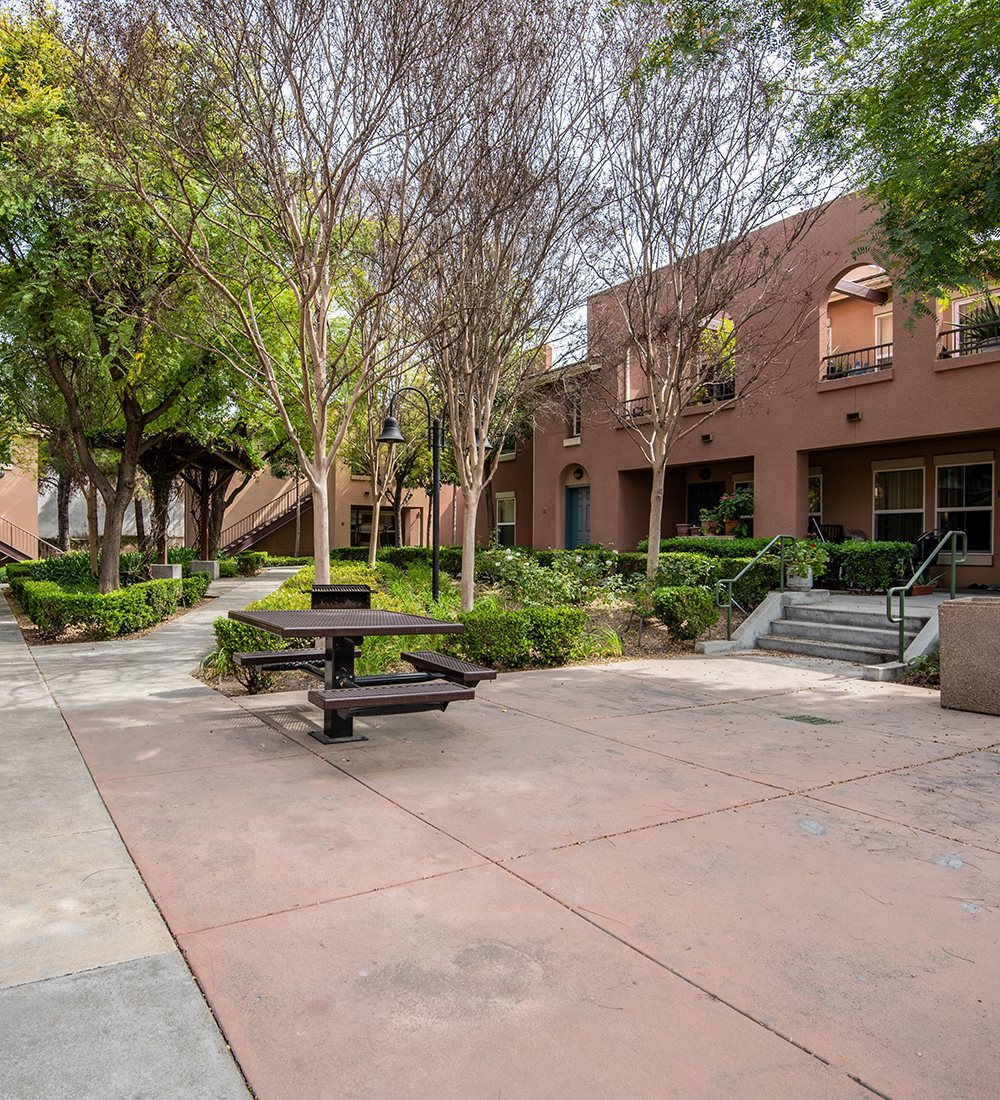 Image of Pueblo Del Sol Apartments in Los Angeles, California