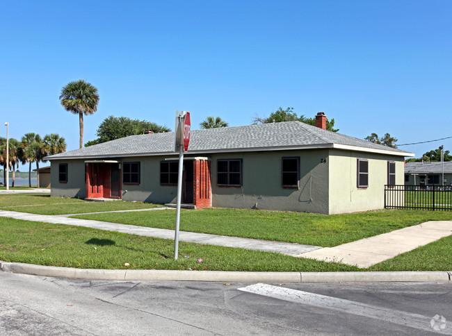 Image of Lake Mann Homes in Orlando, Florida