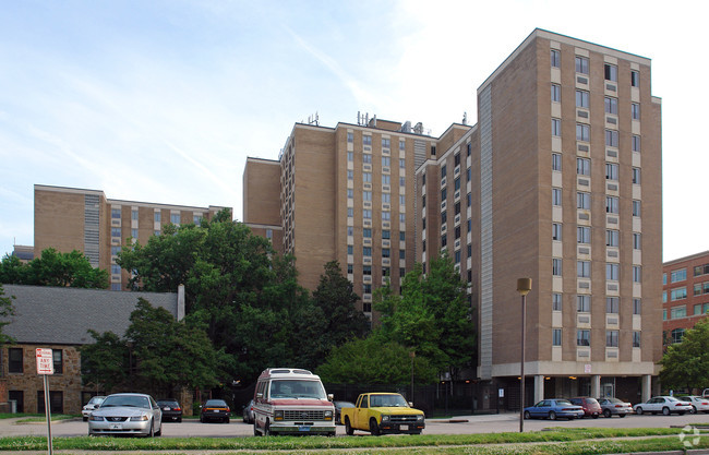 Image of Glenwood Towers