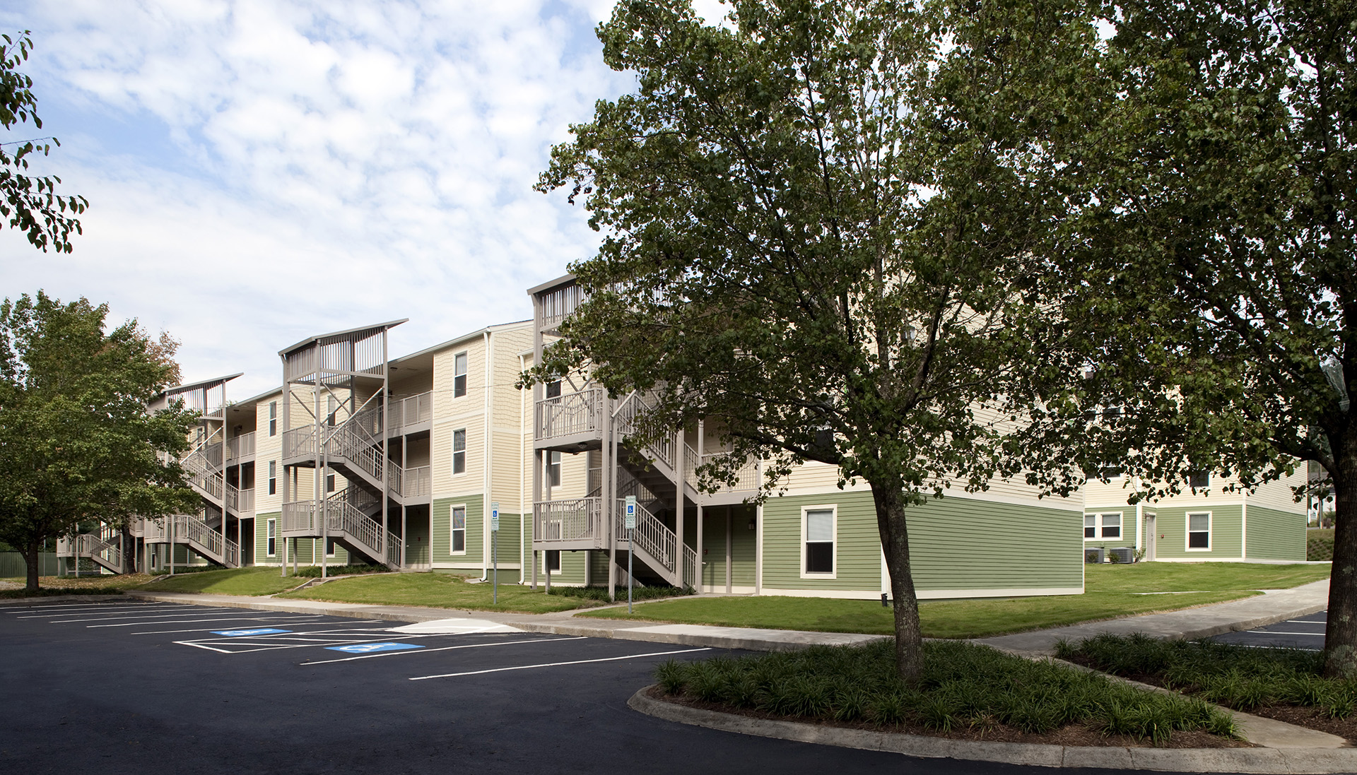 Image of Valley Oaks Apartments