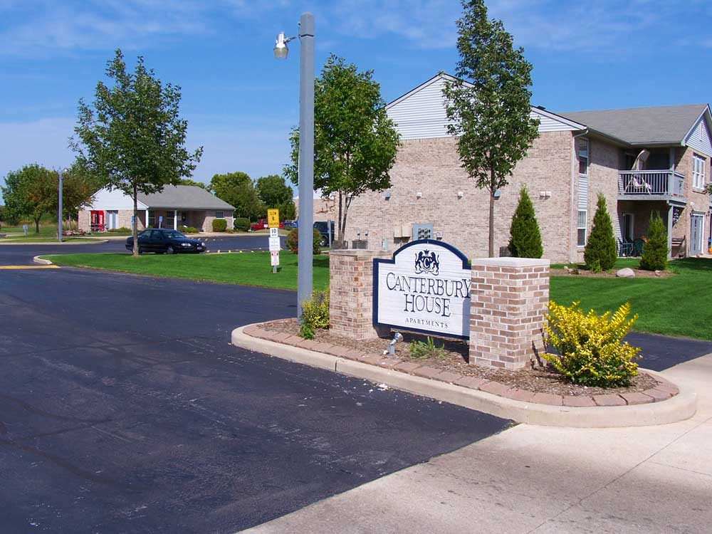 Image of Canterbury House Apartments Morris in Morris, Illinois