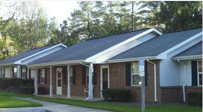 Image of Oakland Village Apartments in Littleton, North Carolina