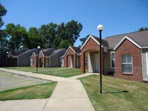 Image of Edge Oaks Apartments in De Valls Bluff, Arkansas