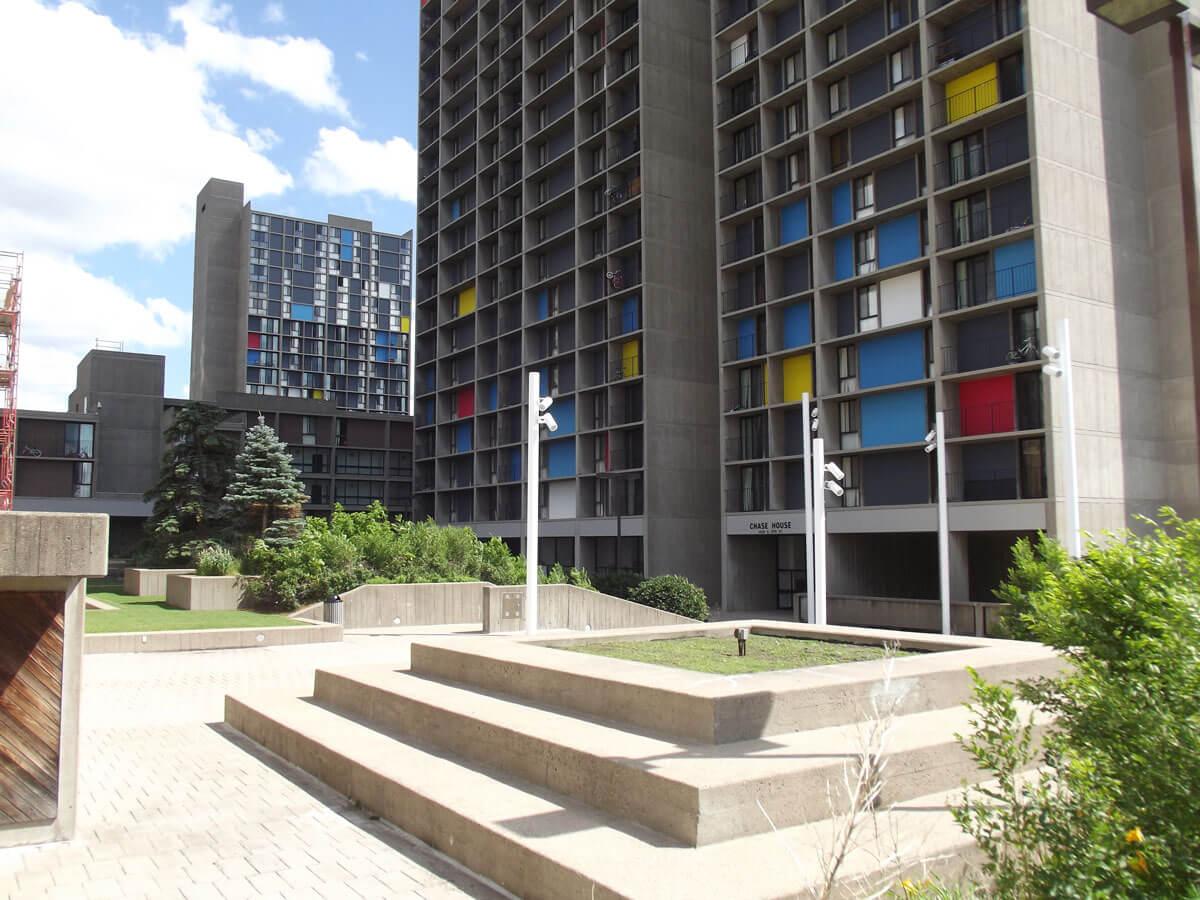 Image of Riverside Plaza