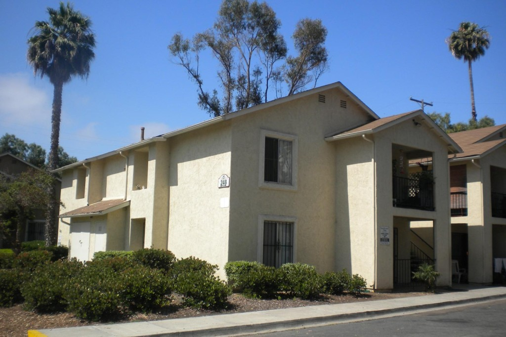Image of Town and Country Apartments in San Diego, California
