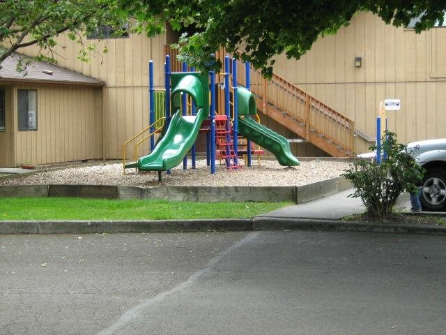 Image of Pine Avenue Apartments in Tillamook, Oregon