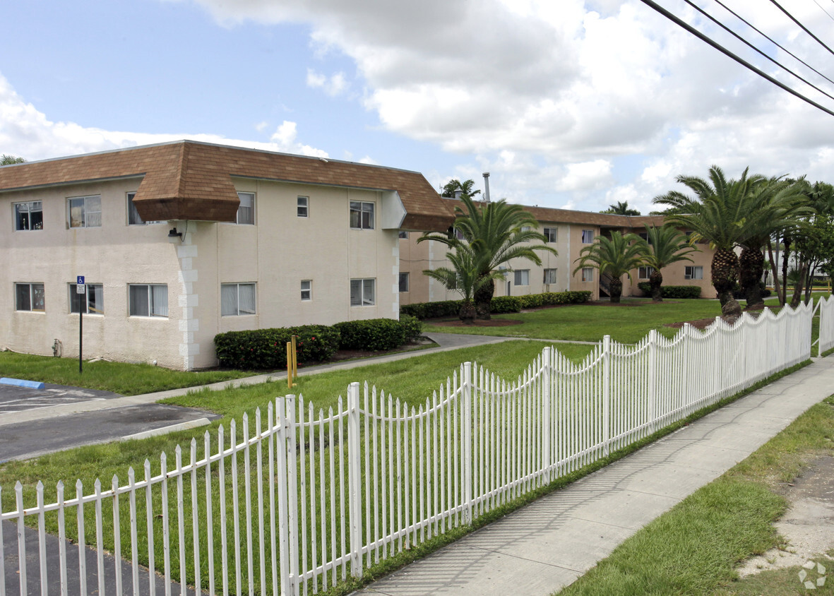 Image of Coral Gardens Apartments in Homestead, Florida