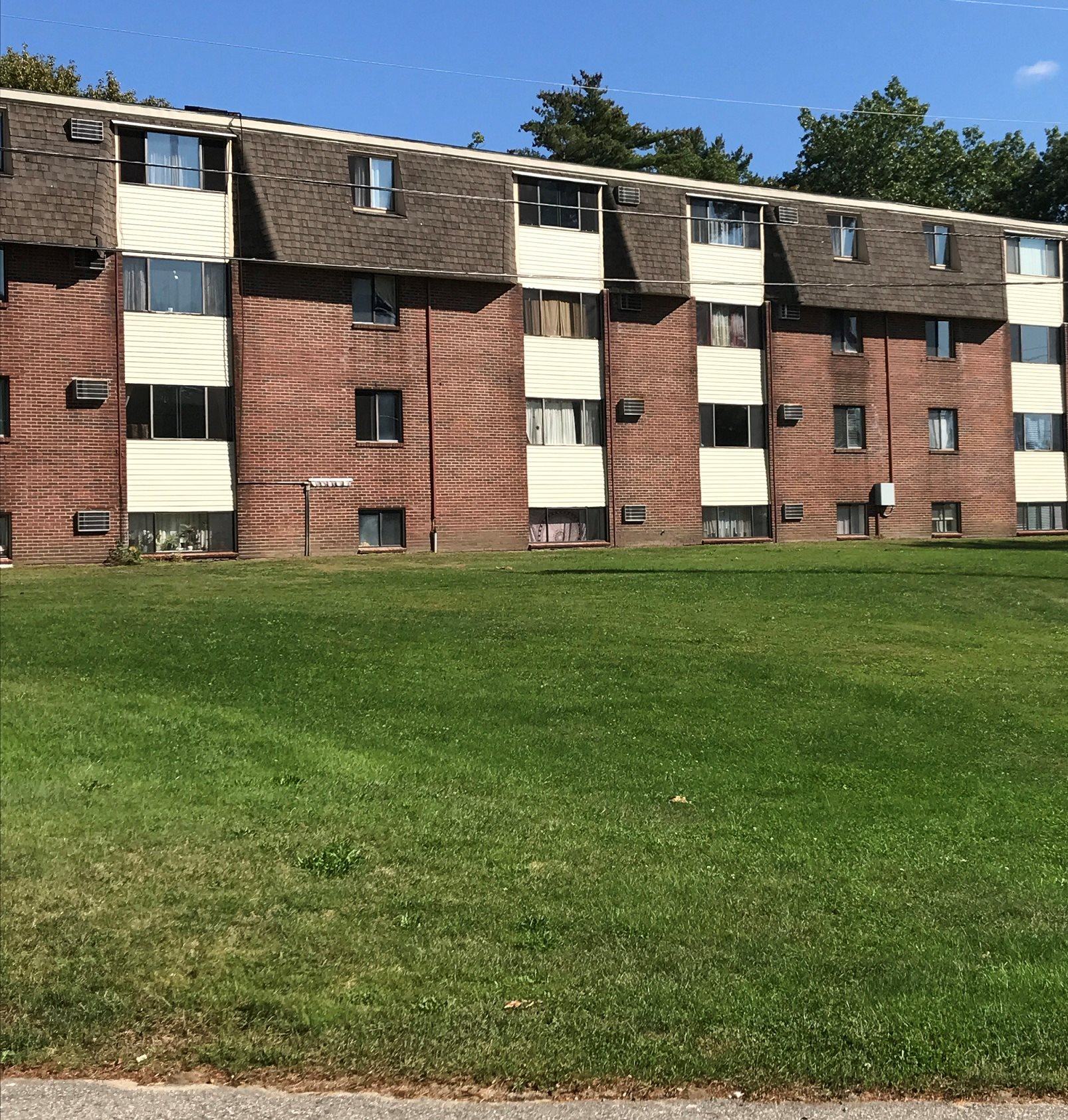 Rockingham Village Apartments