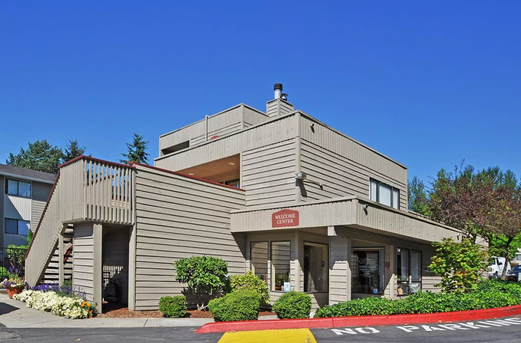 Image of Cottonwood Apartments in Kent, Washington