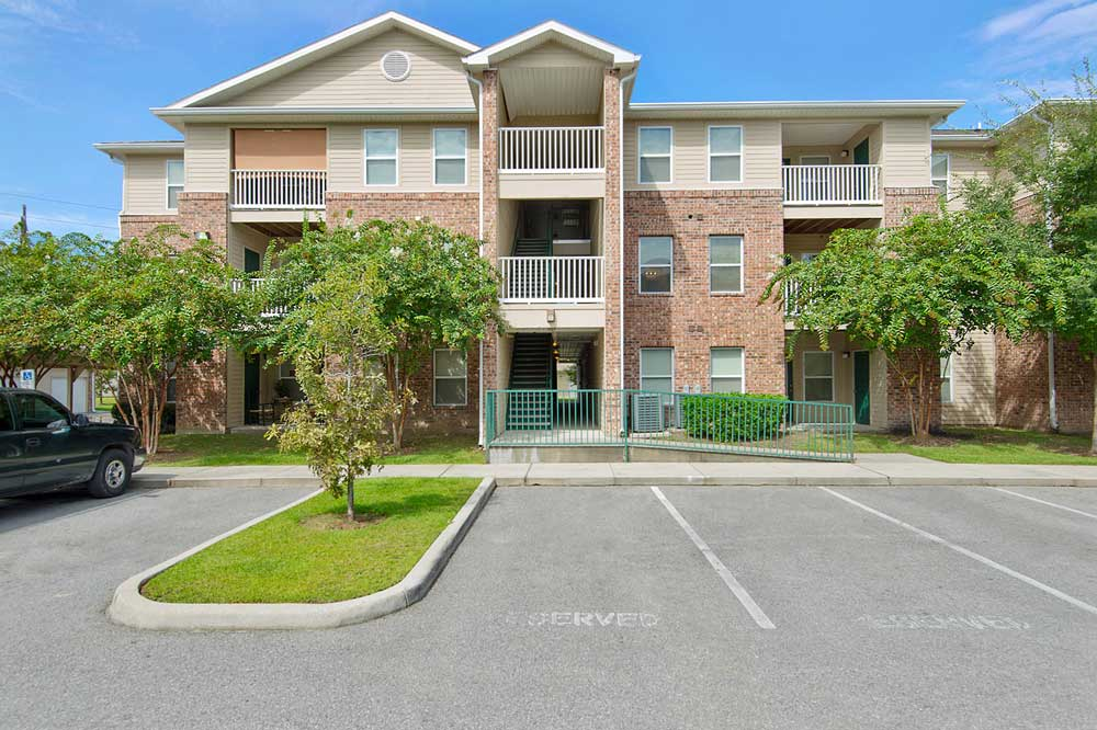 Image of Canterbury House Apartments - Sherwood in Baton Rouge, Louisiana
