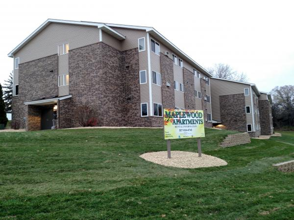 Image of Maplewood Apartments in St Peter, Minnesota
