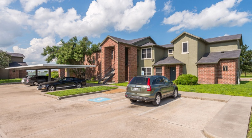 Image of Hawks Landing Apartments in Kingsville, Texas