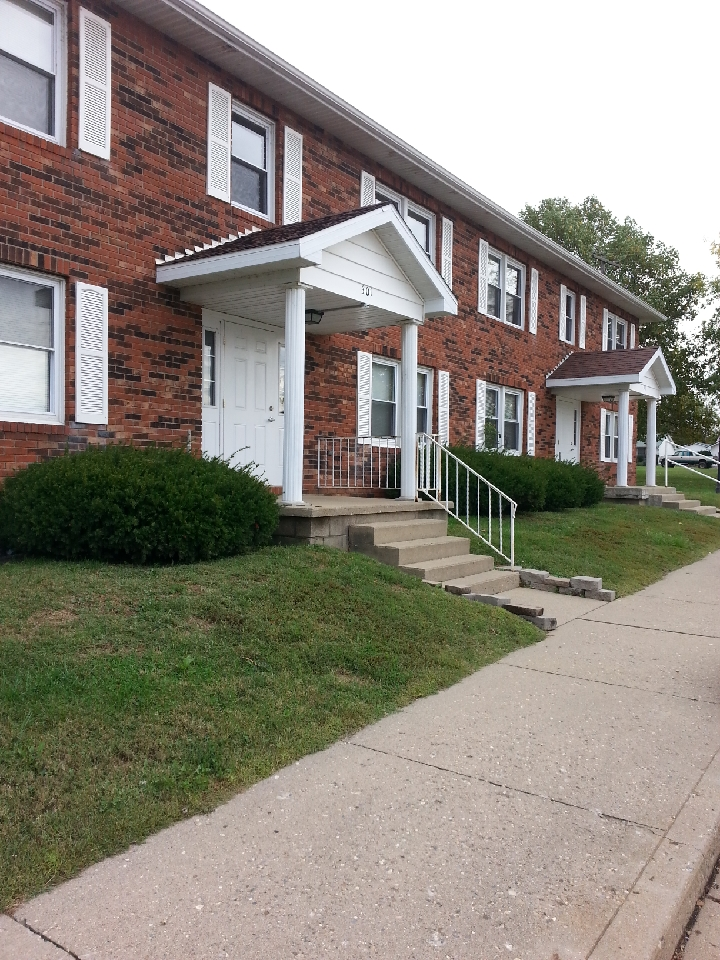 Image of Allendale Village Apartment in Allendale, Illinois