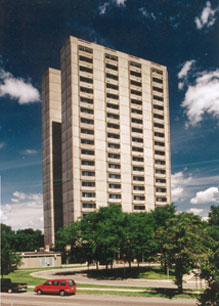 Image of Front Hi-Rise in Saint Paul, Minnesota