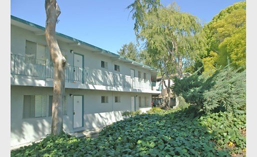 Image of Manchester Apartments in San Leandro, California