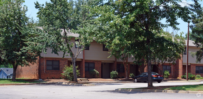 Image of Eastwood Court in Raleigh, North Carolina