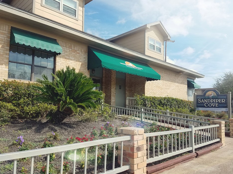 Image of Sandpiper Cove Apartments in Galveston, Texas