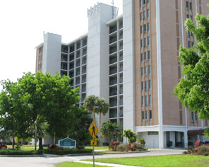 Image of Bonair Towers in Fort Myers, Florida