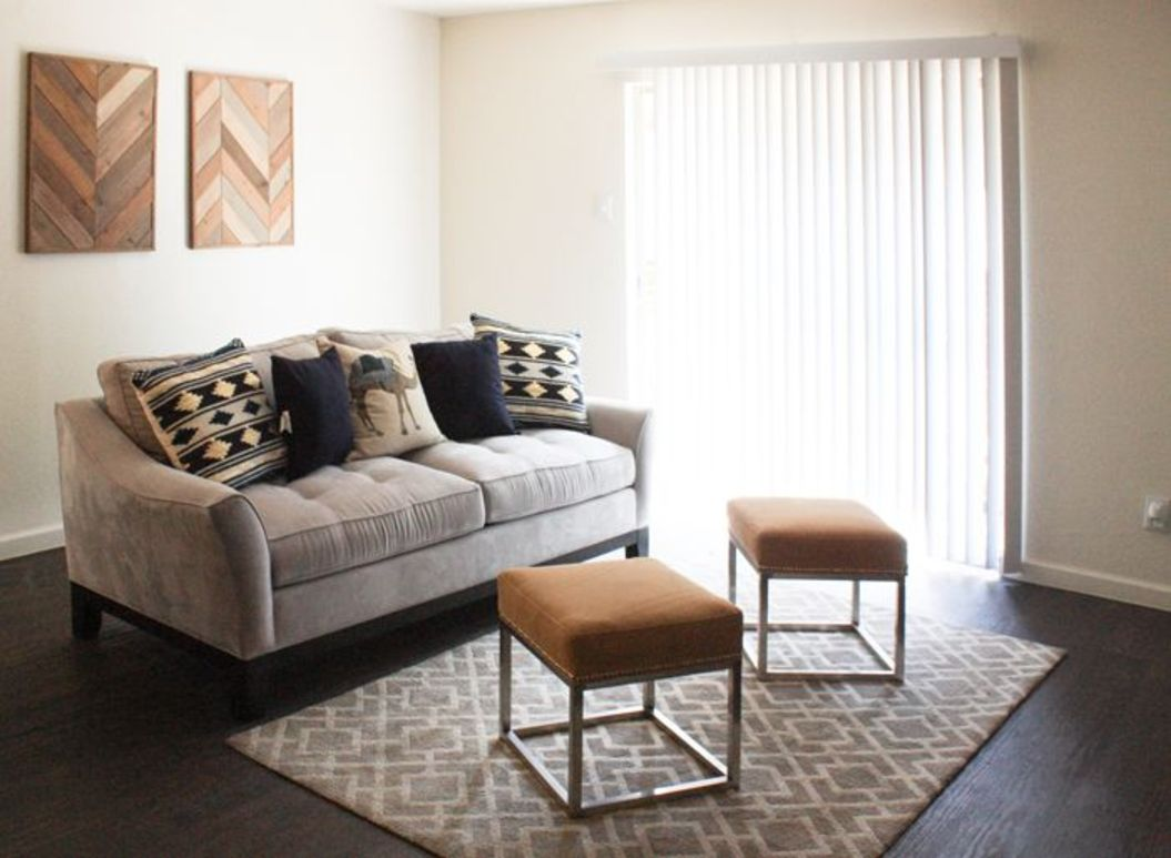 The Residence at Arlington Apartments | Arlington, TX Low ...