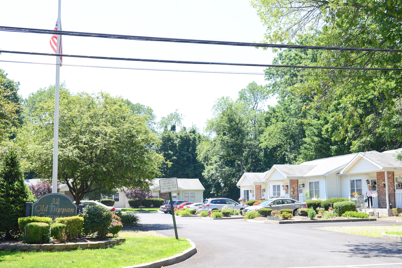 Image of Old Tappan Commons in Old Tappan, New Jersey