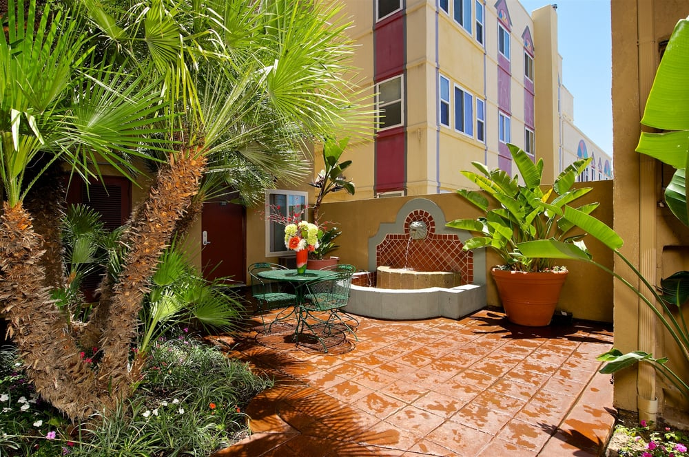 Image of West Park Apartments in San Diego, California