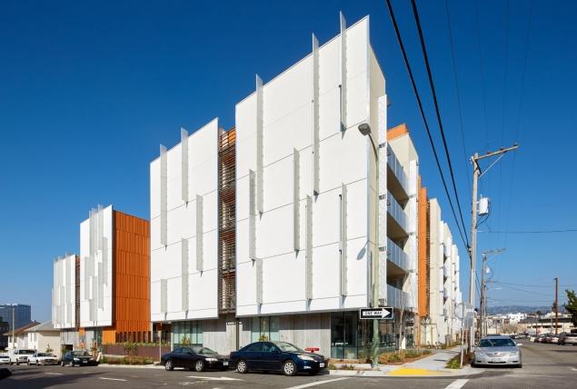 Image of Lakeside Senior Apartments  in Oakland, California