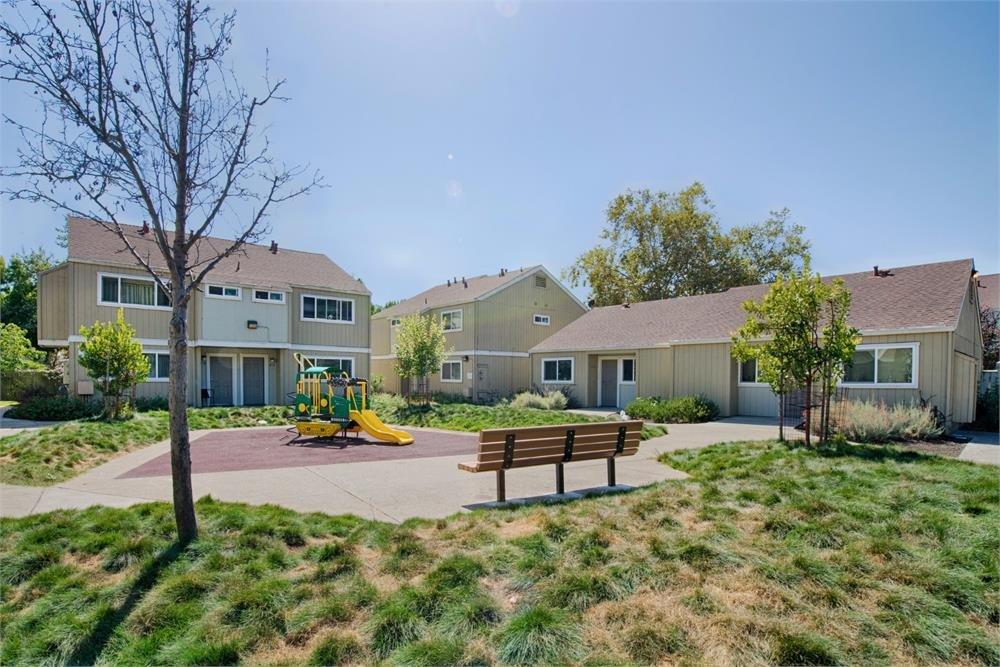 Image of Littlejohn Commons in Alameda, California