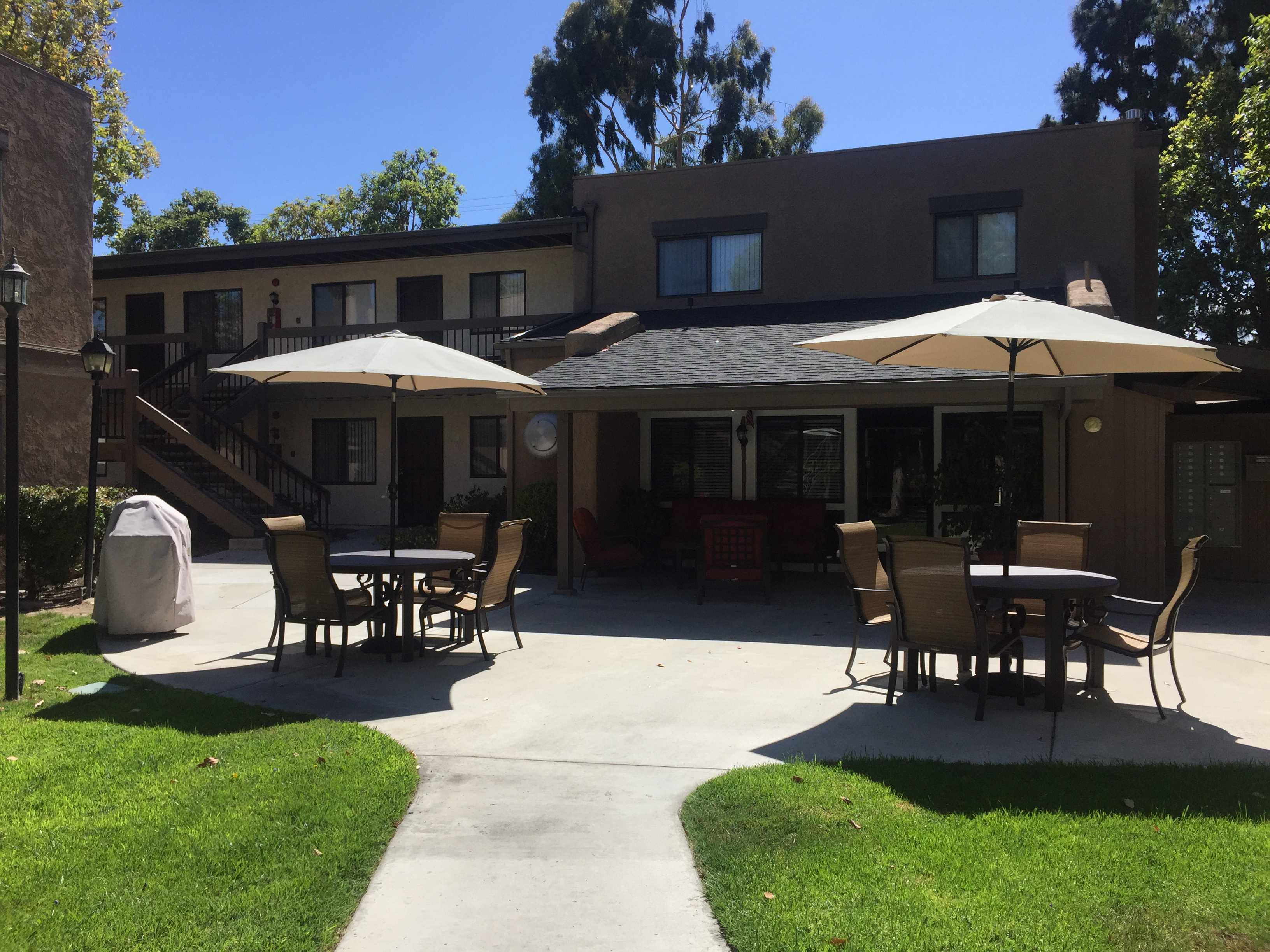 Image of Heritage Park Apartments in Anaheim, California