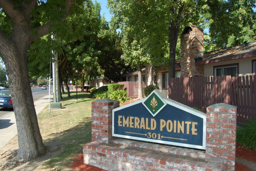 Image of Emerald Pointe Apartments