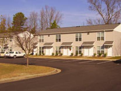 Image of Windsor Court I & II in Windsor, Virginia
