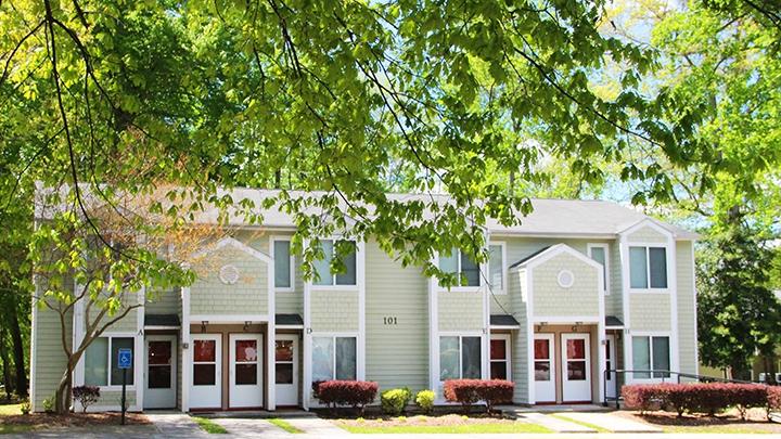 Image of Rivermeade Apartments I in Yorktown, Virginia