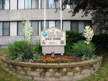 Image of Park Bluff Apartments in Milwaukee, Wisconsin