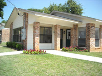 Image of Floresville Square Apartments