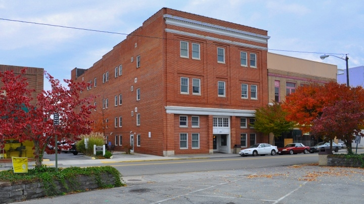 Image of Bluegrass Apartments